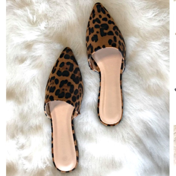 e876d5aae9 NWB Pointed toe leopard print flat mules NWT
